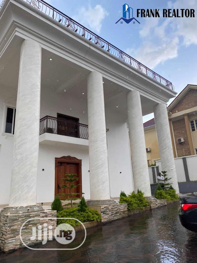 6 Bedroom Mansion With 3 Bqs