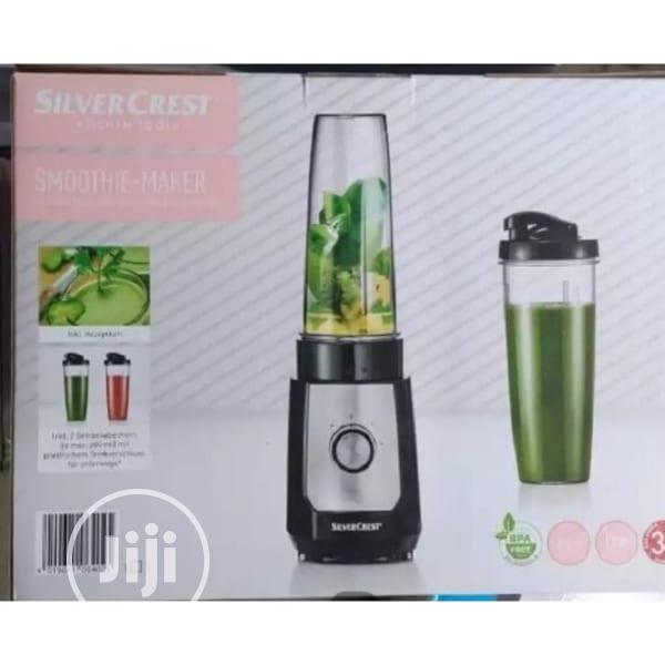 SMOOTHIE MAKER AND BLENDER Smoothie maker mixer and glass
