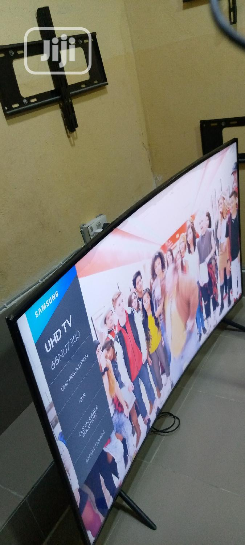 """65"""" Samsung Smart Curve Uhd 4k Hdr Tv 2018model { NU7300 }"""
