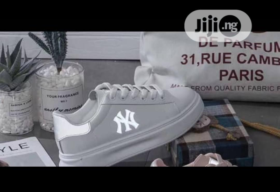 Quality Flat Bottom Sneakers Shoes