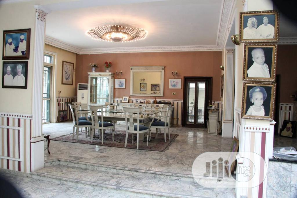 Archive: Waterfront 12 Bedroom Mansion With Superb Amenities.