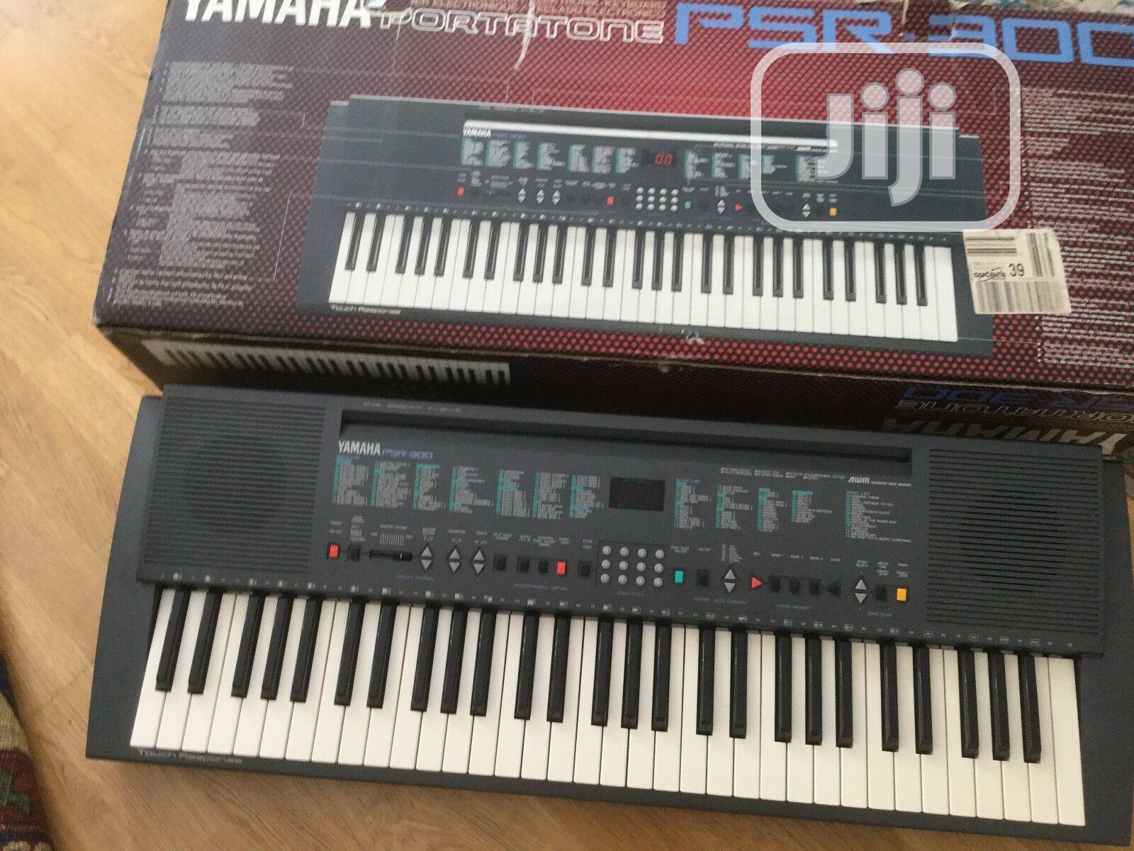 Yamaha Psr 300 Electronic Keyboard UK Used