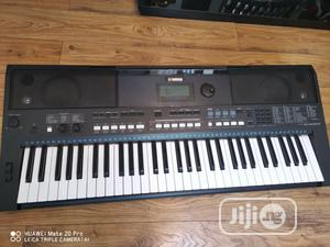 Yamaha Psr E433 Electronic Keyboard UK Used | Musical Instruments & Gear for sale in Lagos State, Ikeja