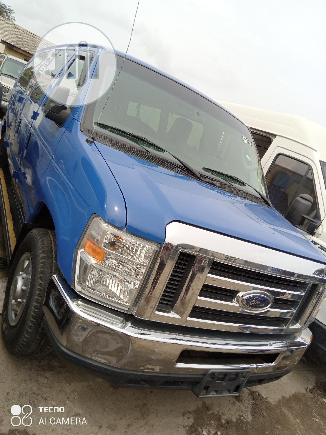 Ford E350 2014   Buses & Microbuses for sale in Apapa, Lagos State, Nigeria