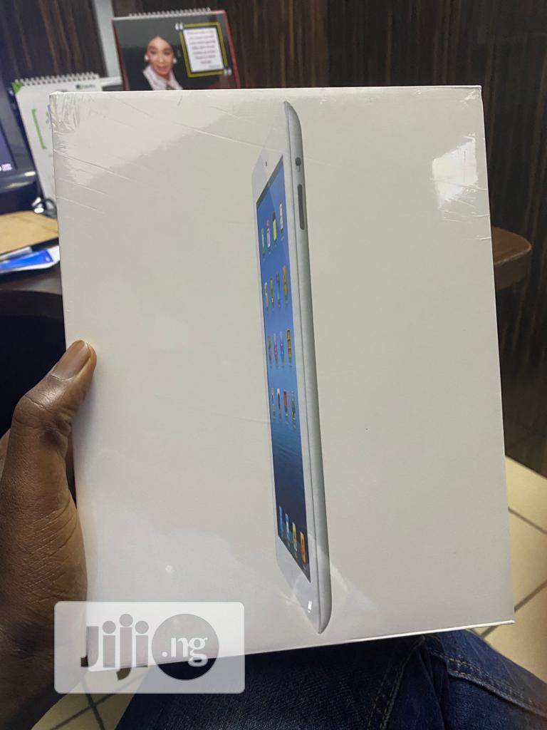 New Apple iPad 2 Wi-Fi + 3G 64 GB