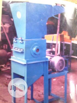 Plastic Crushing Machine With Electric Motor Normal Speed   Farm Machinery & Equipment for sale in Lagos State, Ojo
