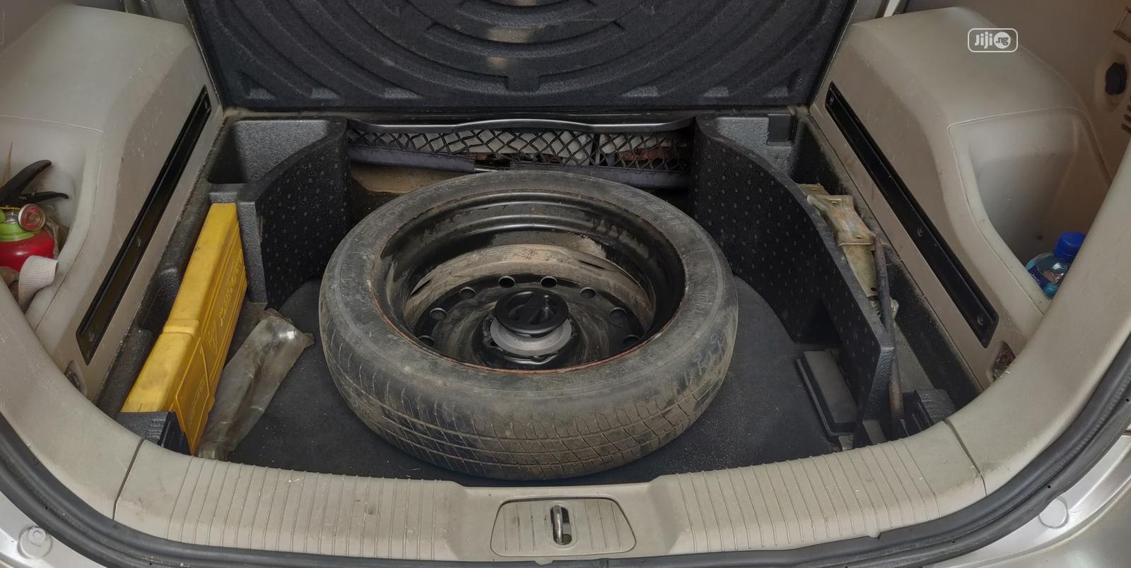 Archive: Saturn Vue 2010 V6 XR Silver