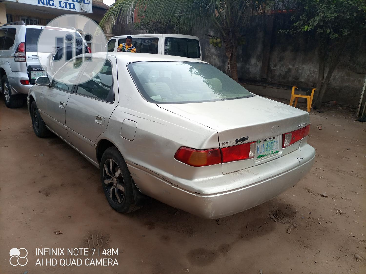 Archive: Toyota Camry 2000 Silver