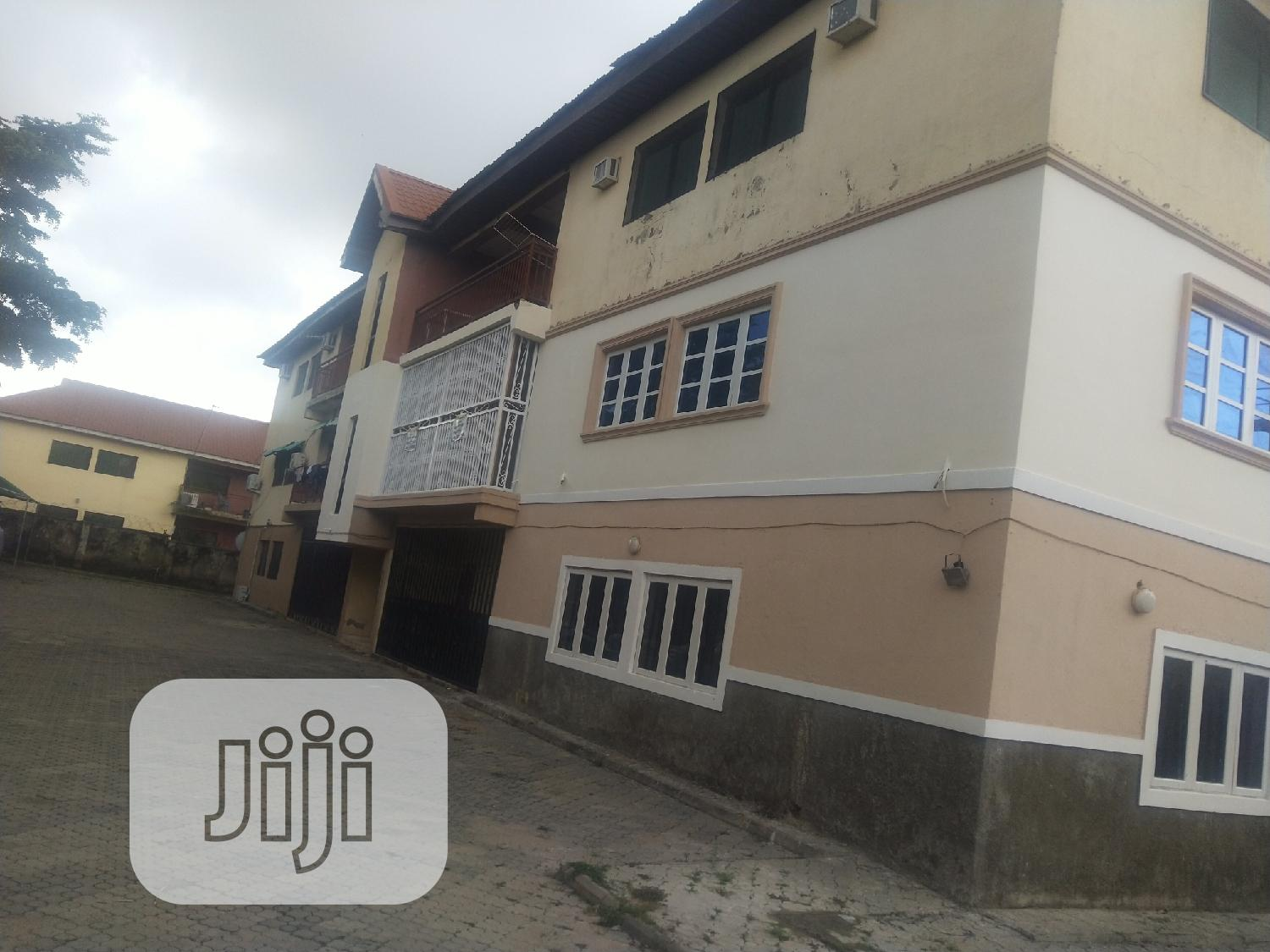 AWOOF 3 Bedroom Flat With 1 Room BQ In Gwarimpa For Sale