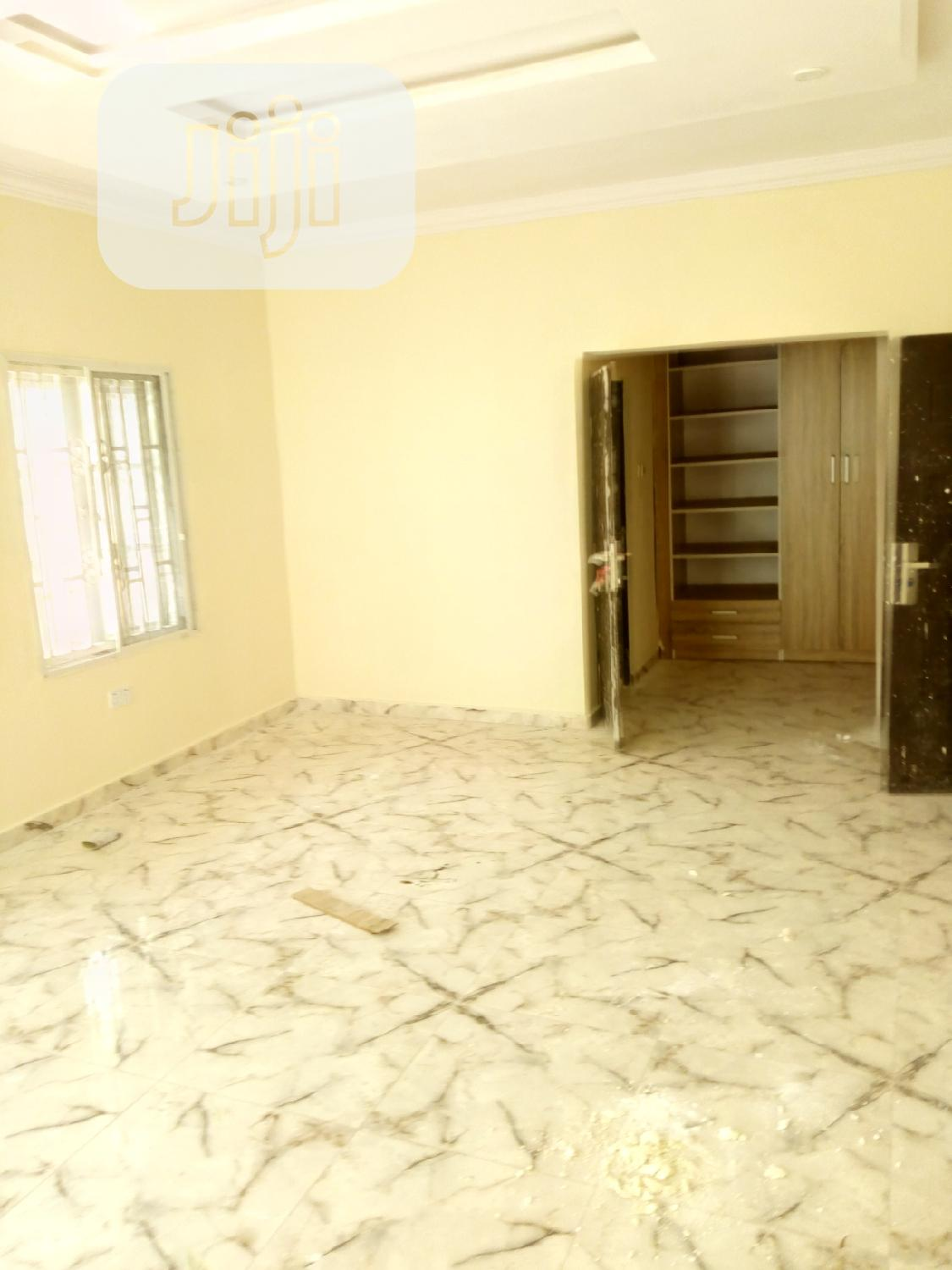 3 Bedrooms Terrace Duplex Located At Meridian Park Estate | Houses & Apartments For Sale for sale in Ajah, Lagos State, Nigeria