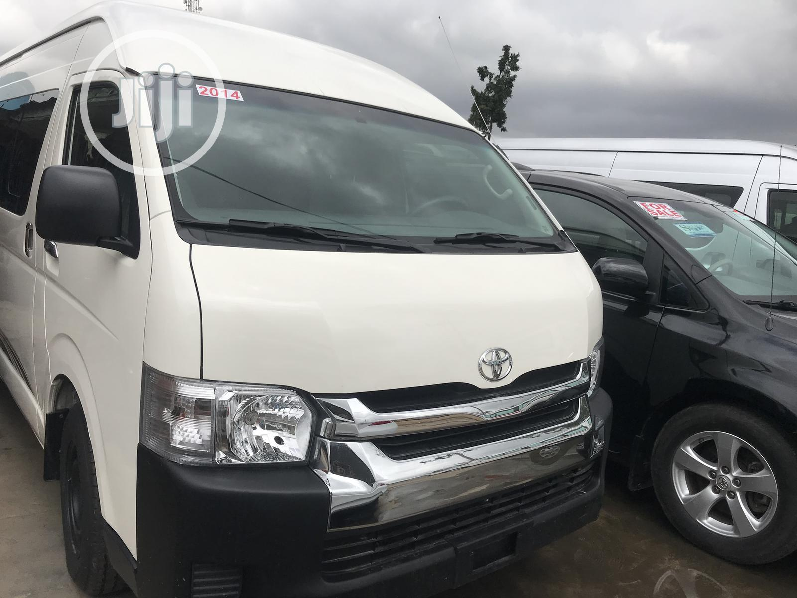 Locally Used Toyota Hiace Hummer3 2014