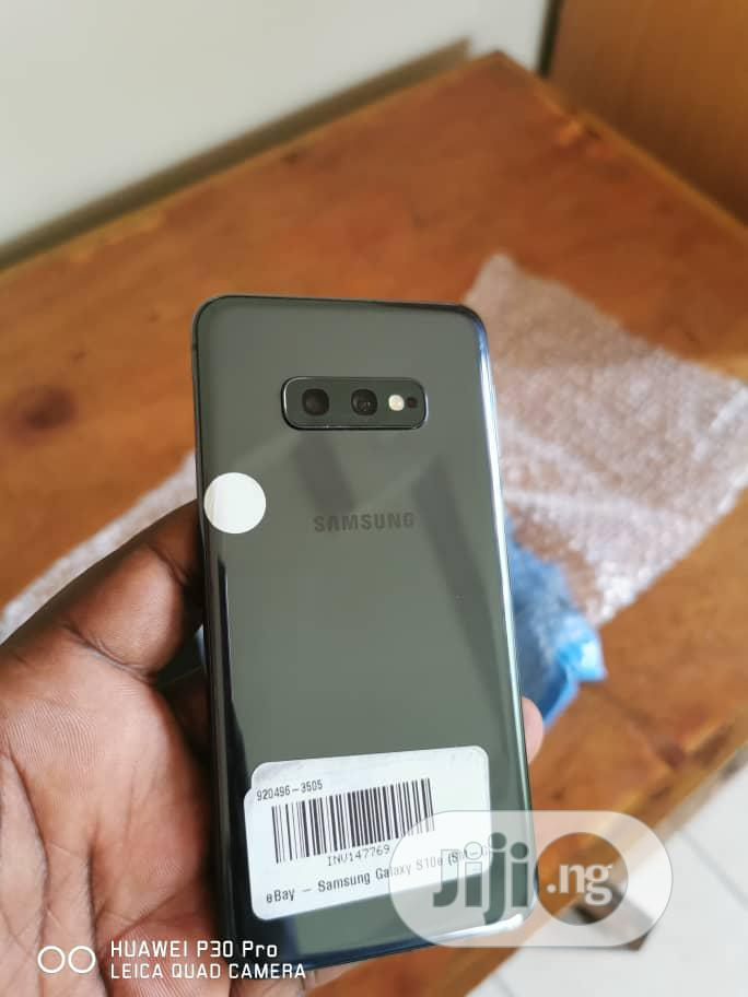 Archive: Samsung Galaxy S10e 128 GB Gray