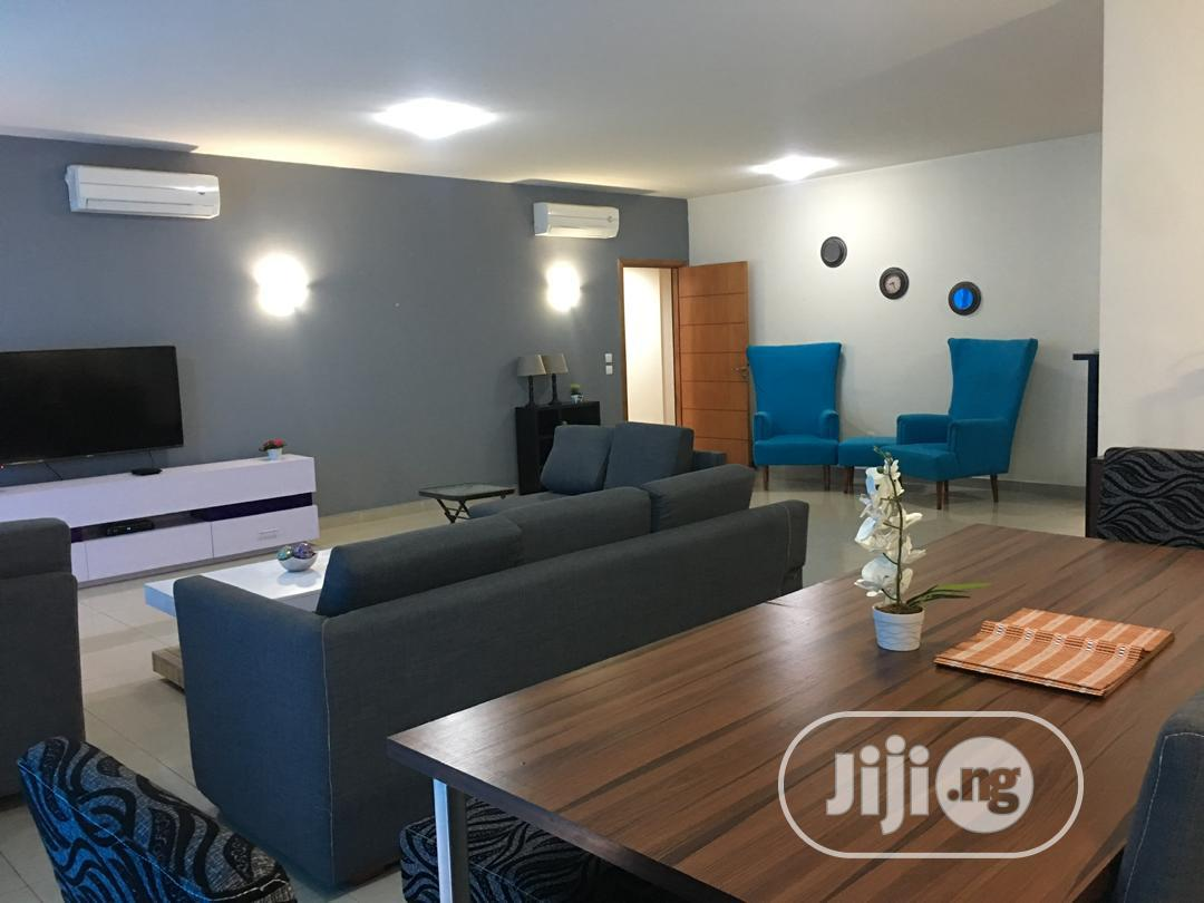 Luxury 3 Bedroom Apartment Available For Lease