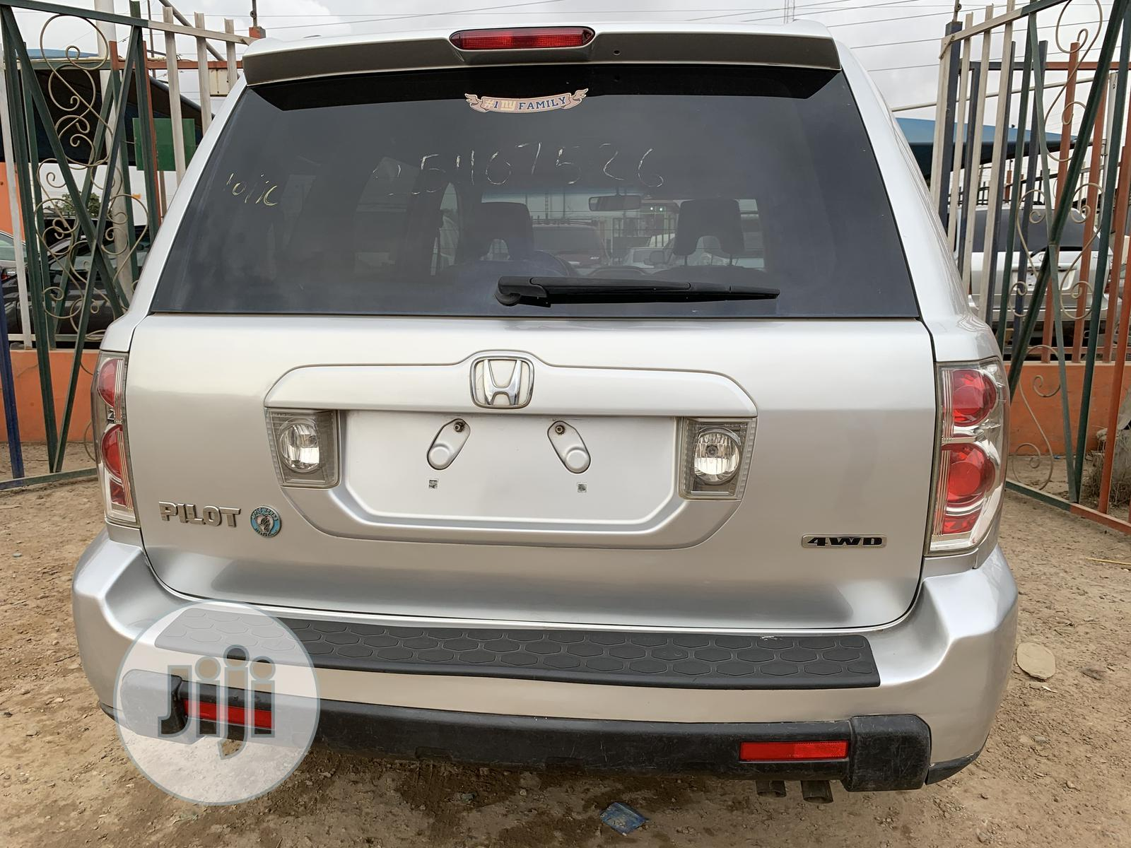 Honda Pilot 2006 LX 4x2 (3.5L 6cyl 5A) Silver | Cars for sale in Alimosho, Lagos State, Nigeria