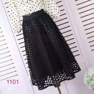 Ladies Midi Lace Black Skirt   Clothing for sale in Lagos State, Yaba