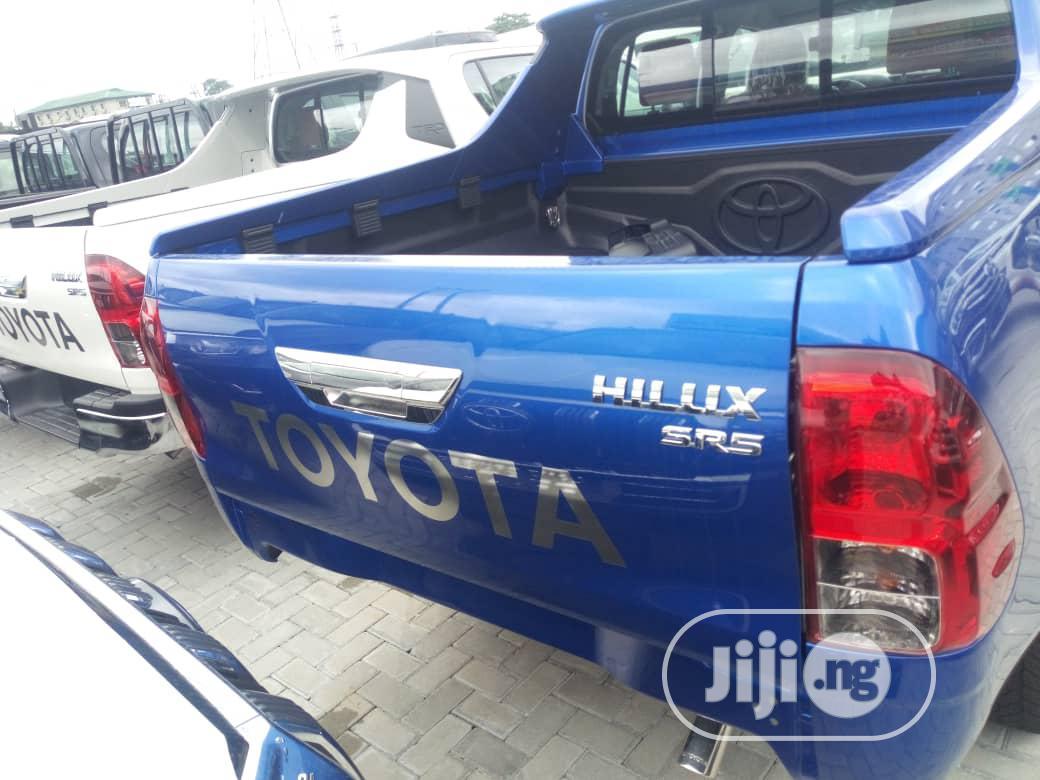 New Toyota Hilux 2020 Blue