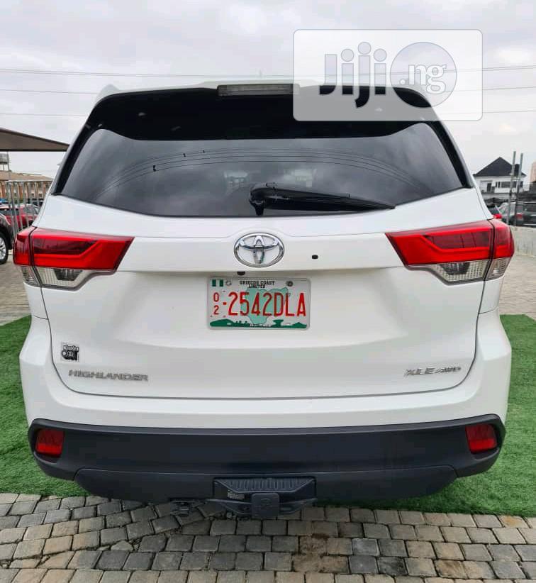 Toyota Highlander 2018 XLE 4x4 V6 (3.5L 6cyl 8A) White | Cars for sale in Lekki, Lagos State, Nigeria