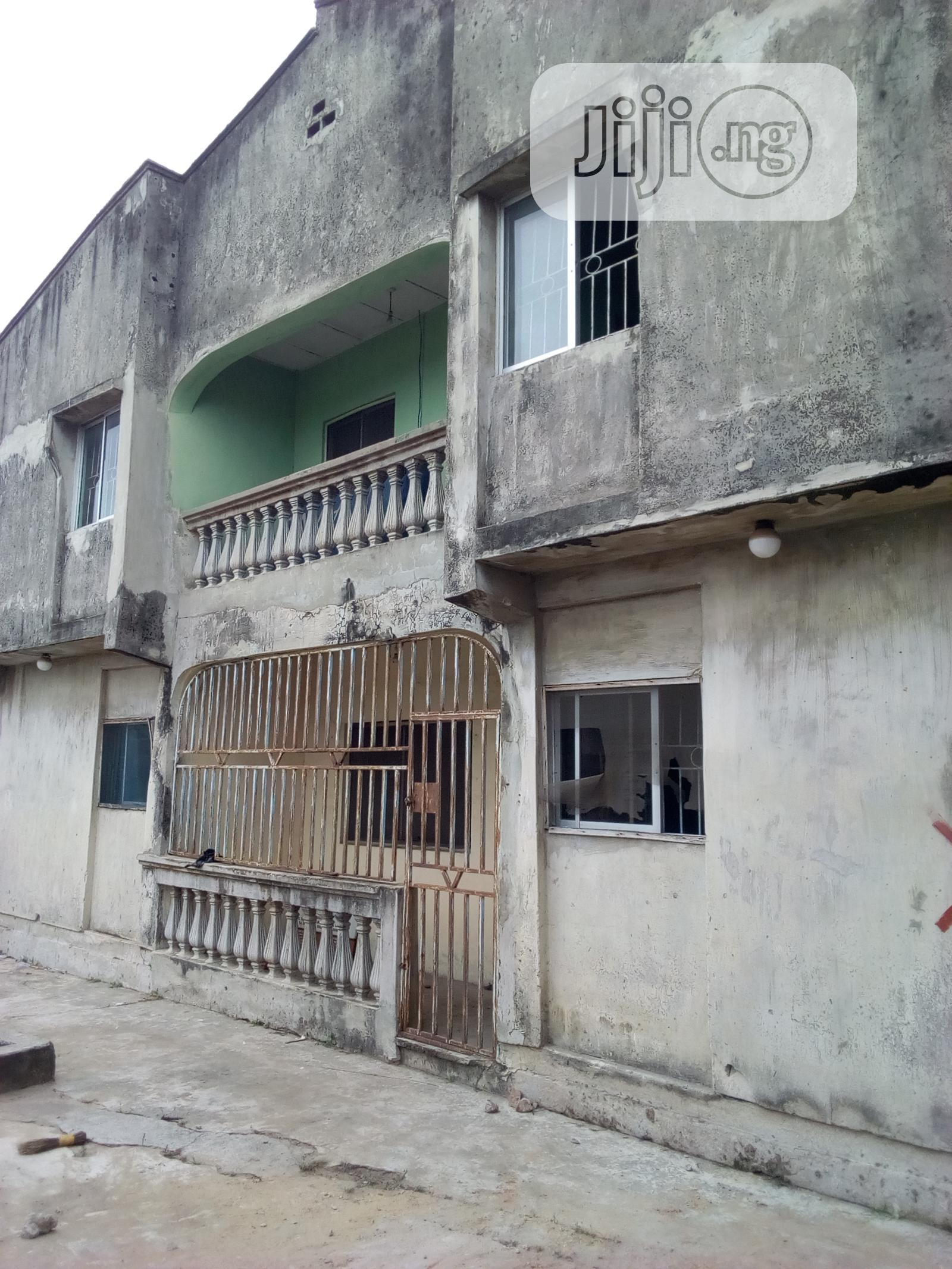 4 Flat For Sale, 3 Bed Room Flat Into 4units For Sale.