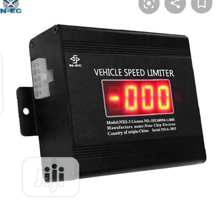 Vehicle Speed Limit/Tracking Device