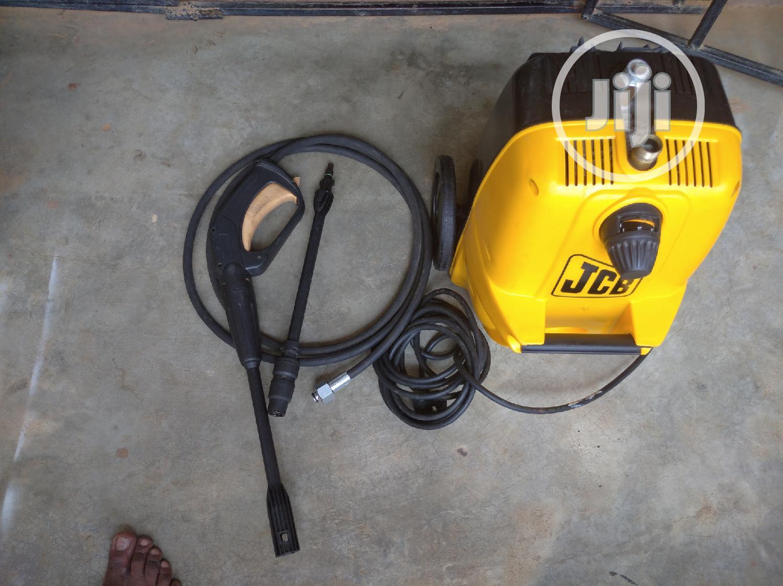 JCB 1.7hp Commercial Pressure Washing Machine