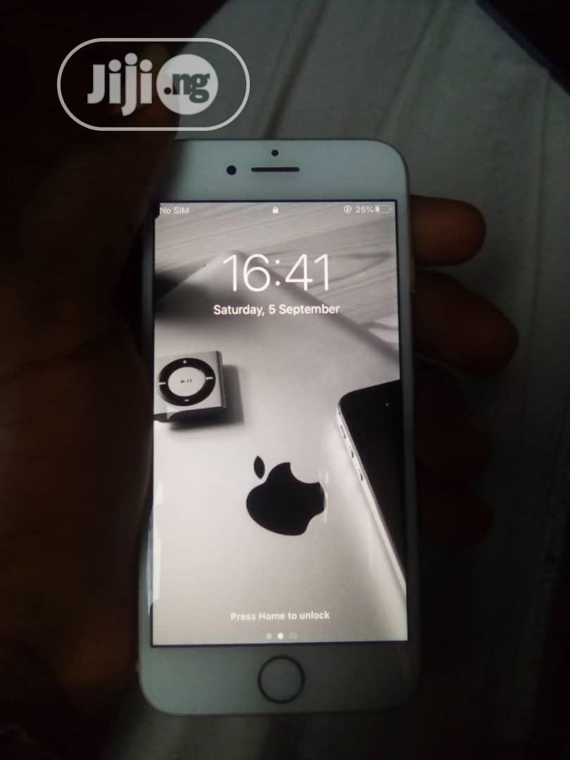 Archive: Apple iPhone 8 64 GB Gold