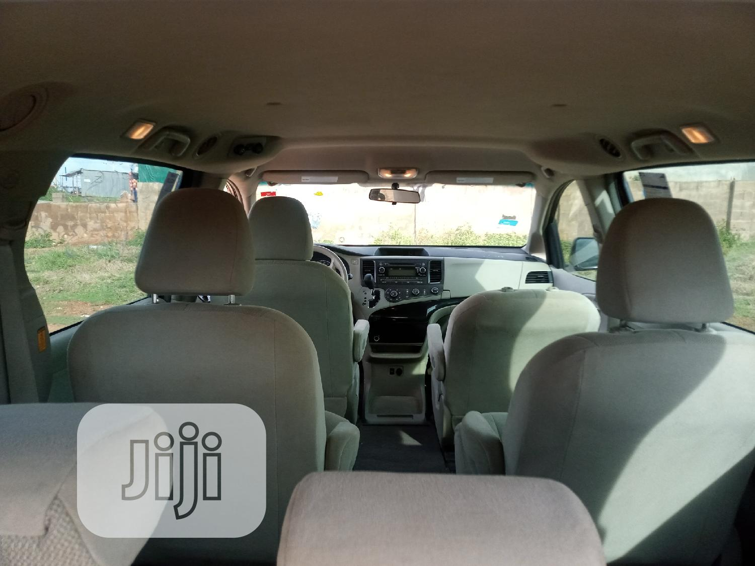Toyota Sienna 2013 L FWD 7 Passenger Red | Cars for sale in Ilorin West, Kwara State, Nigeria