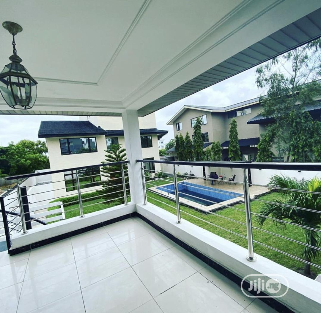 Magnificent 5 Bedroom Fully Detached Duplex Available .