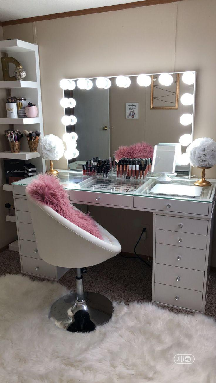 Make-Up Dresser Mirror Table With Light
