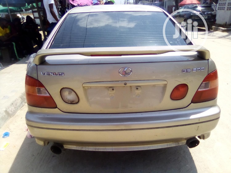Archive: Lexus GS 300 2000 Gold