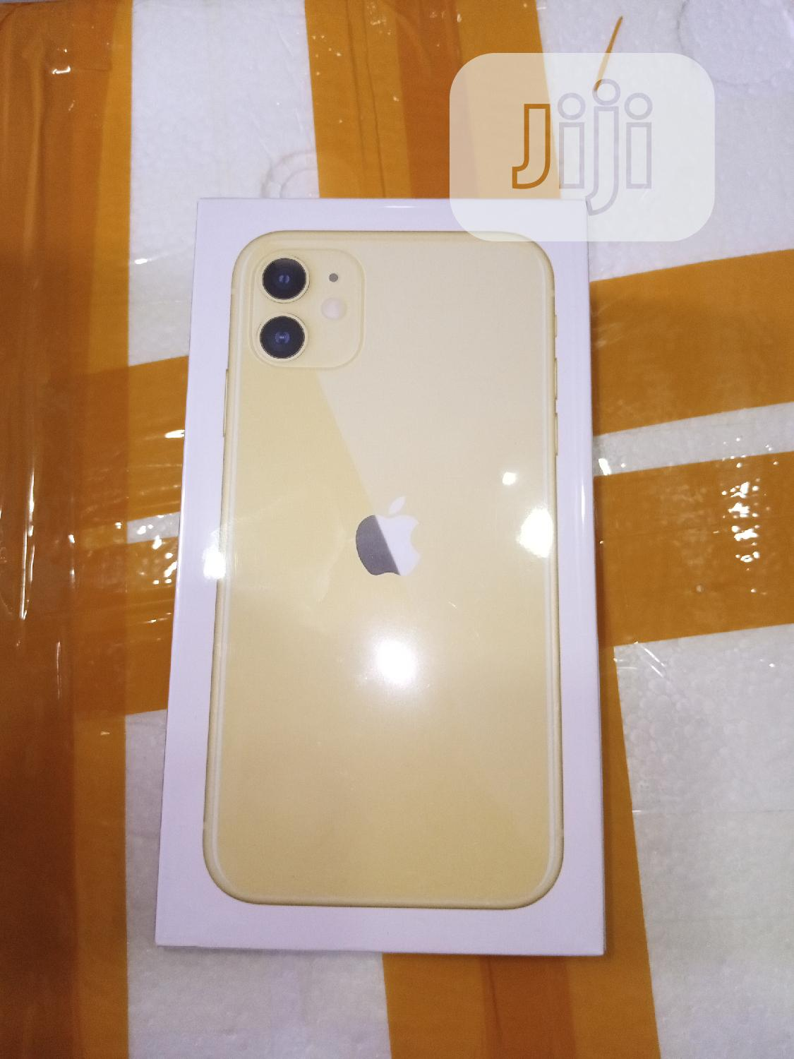 New Apple iPhone 11 64 GB Yellow