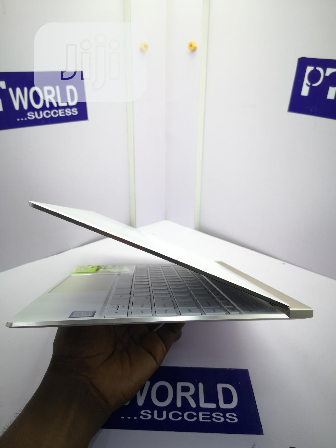 Archive: Laptop HP Spectra 13 8GB Intel Core i7 SSD 256GB