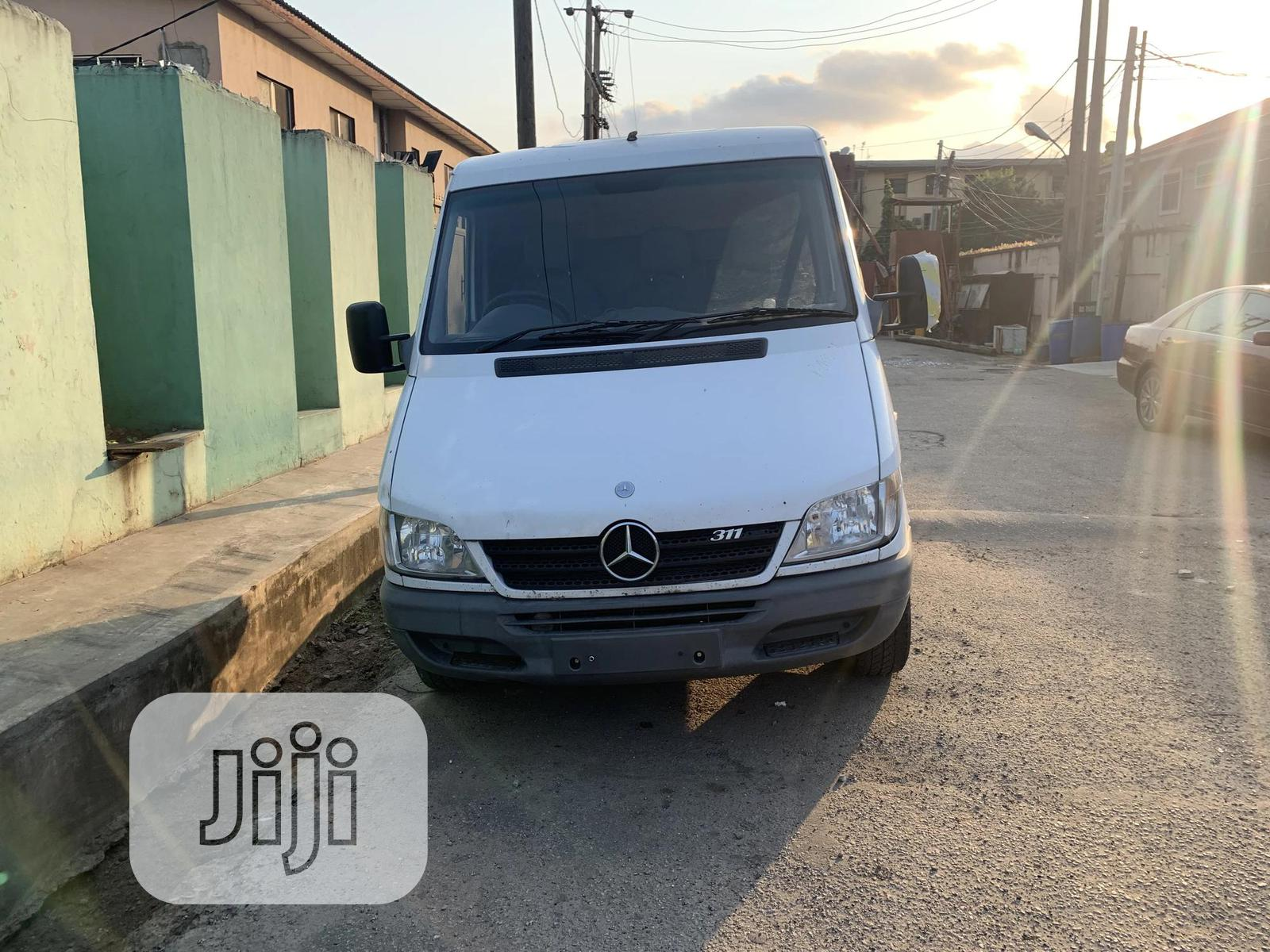 Archive: Mercedes Benz Sprinter 311