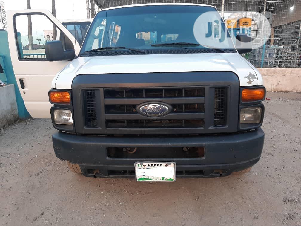 Ford E-150 2008 Extended White