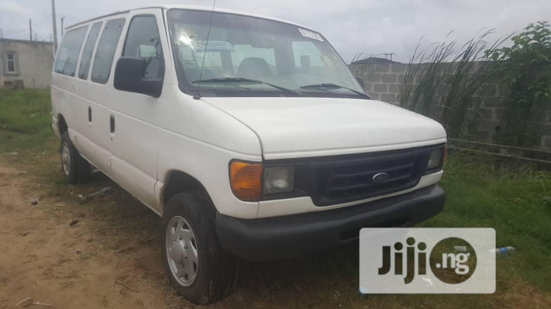 Ford E350 2006 Super Duty Tokunbo (Direct Seller) | Buses & Microbuses for sale in Ajah, Lagos State, Nigeria
