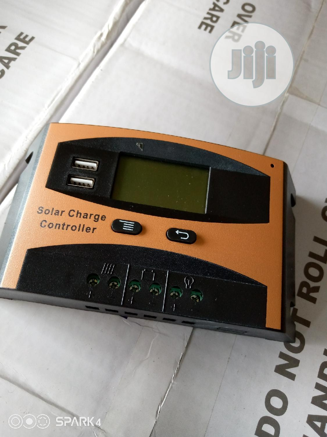 12v/30AH Charge Controller Pwm