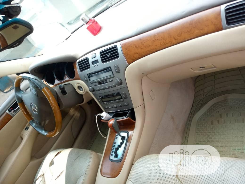 Archive: Lexus ES 330 2005 Gold