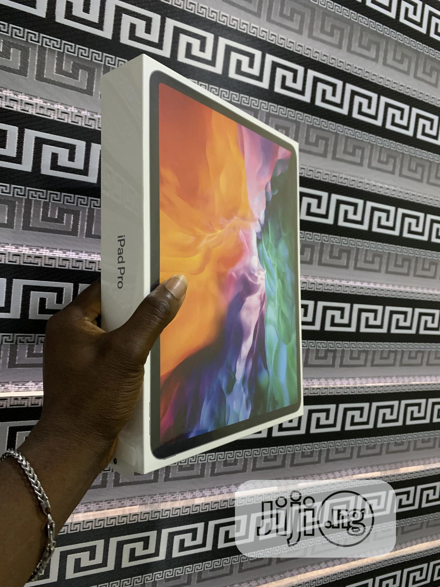 New Apple iPad Pro 12.9 (2020) 128 GB Gray