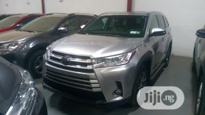 Toyota Highlander 2017 LE 4x2 V6 (3.5L 6cyl 8A) Gray   Cars for sale in Lagos State, Amuwo-Odofin