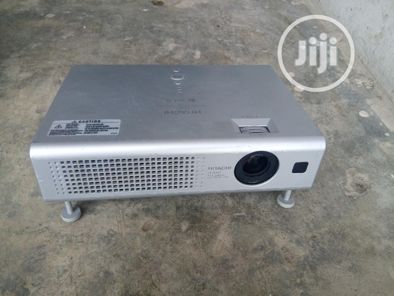 Lucent Hitachi Projector