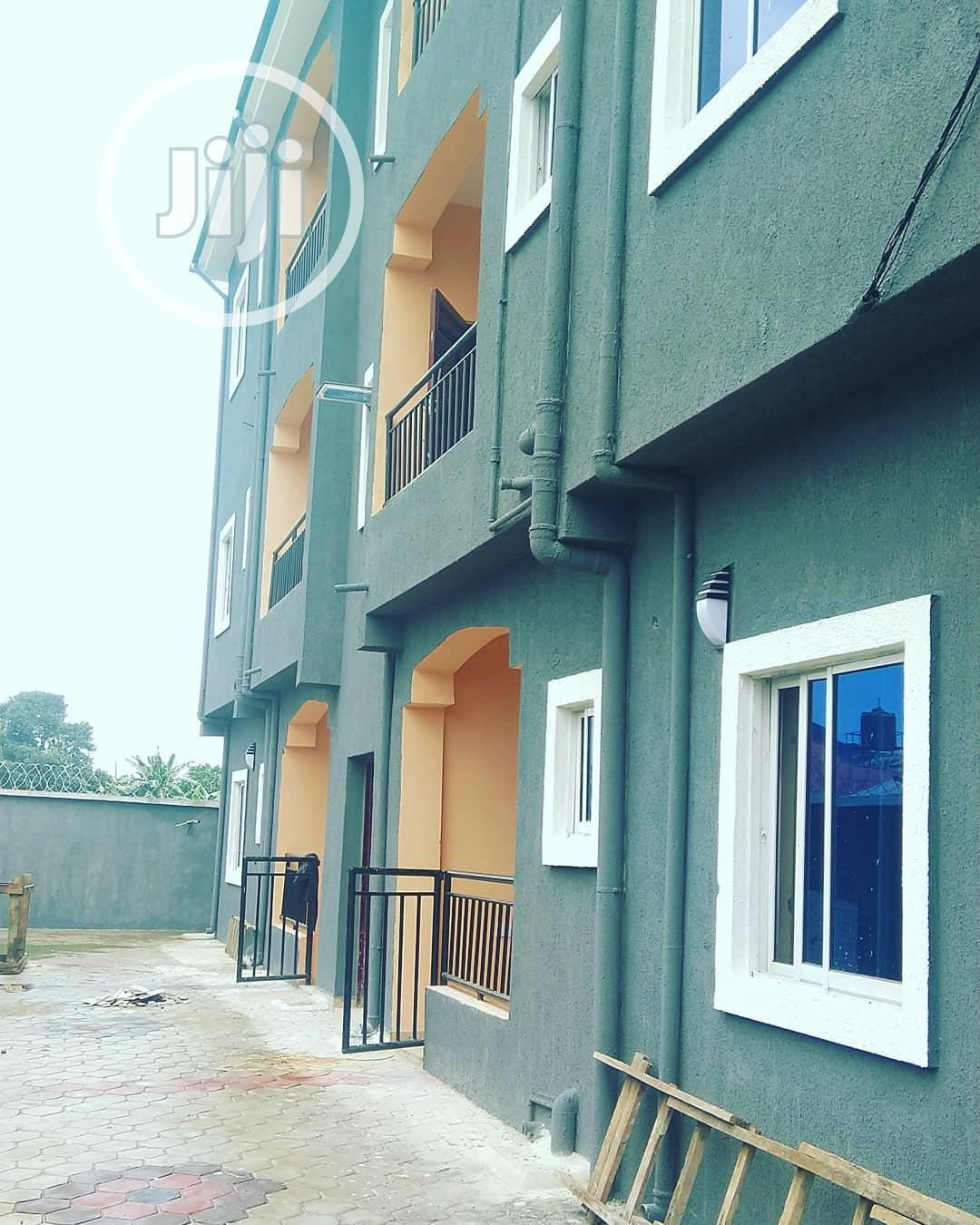 Newly Built 2 Bedroom Flat With 3 Toilets Off Rumuokwurusi