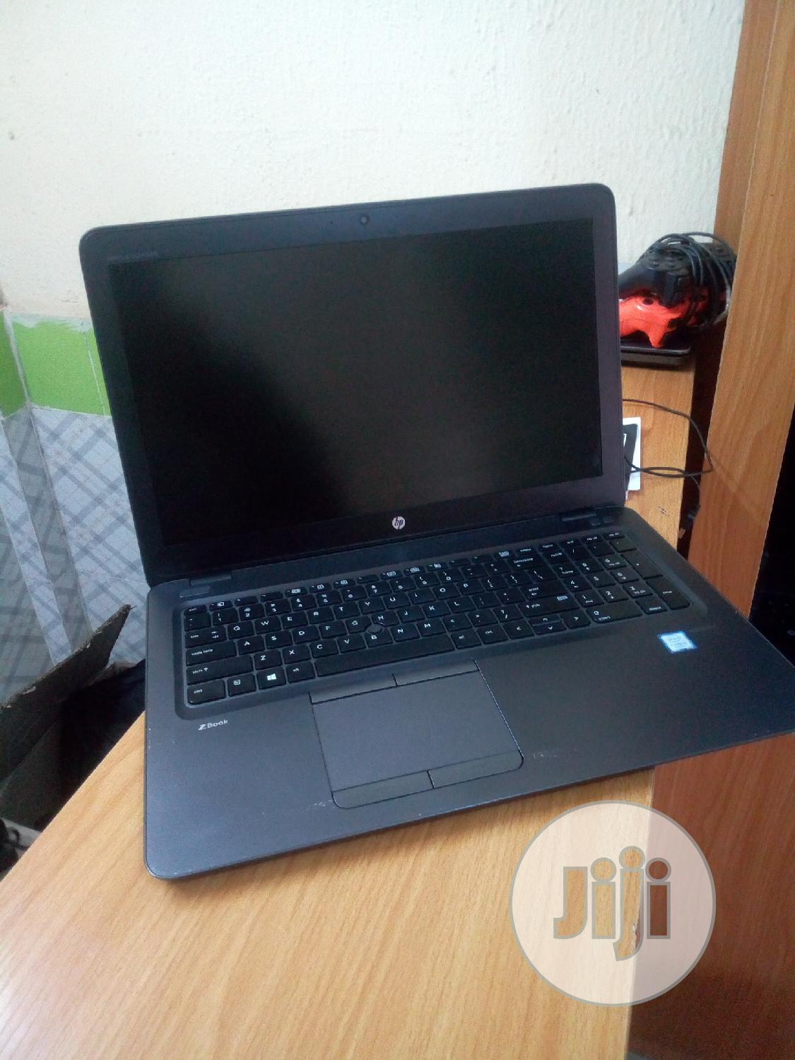 Laptop HP ZBook 17 G3 4GB Intel Core I5 HDD 1T