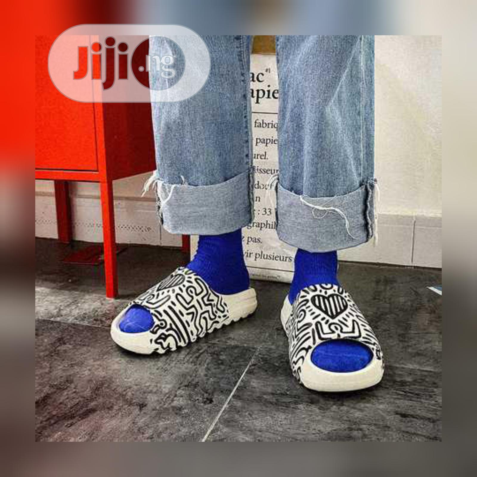 Yeezy Slide   Shoes for sale in Ado-Odo/Ota, Ogun State, Nigeria