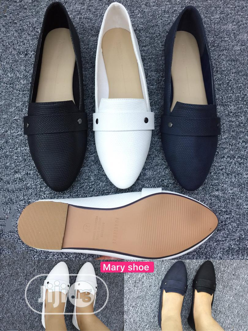Flat Shoes for Ladies