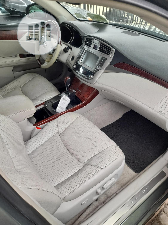 Archive: Toyota Avalon 2012 Gray