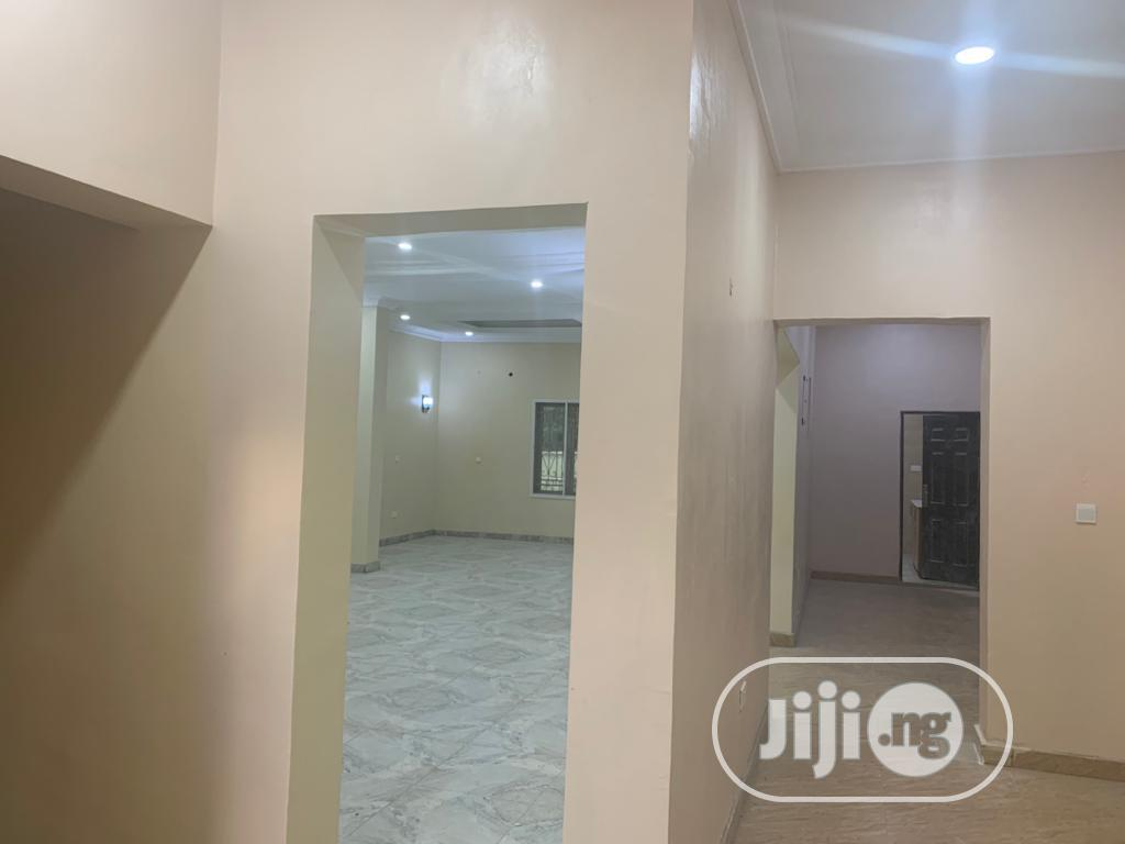 Magnificent 5 Bedroom Detached Duplex With Bq,On a Full Plot