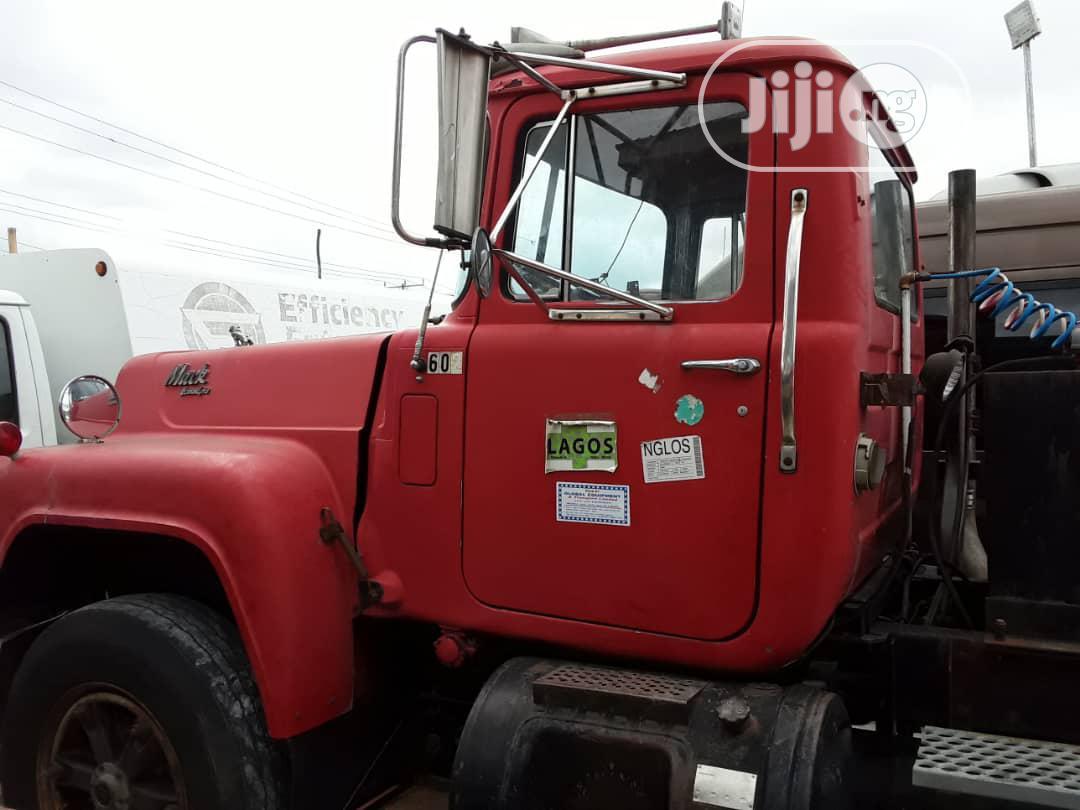 Direct Tokunbo Mack, R-model Tractor 24V, Camel Back Spring