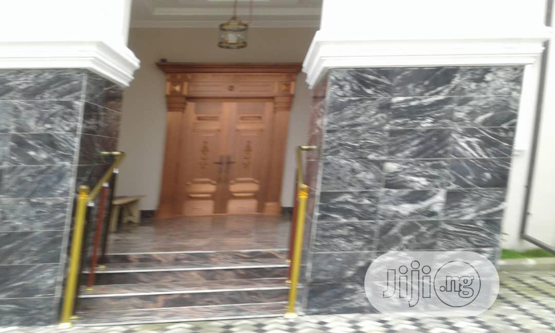 Lovely 8 Bedroom Mansion For Sale