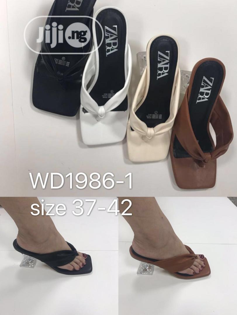 Low Heel Slippers in Ojo - Shoes