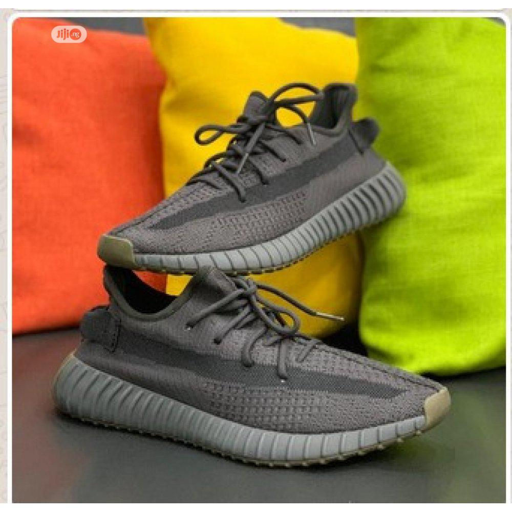 Yeezy 350 V2 Sneaker - Adidas D111 | Shoes for sale in Alimosho, Lagos State, Nigeria