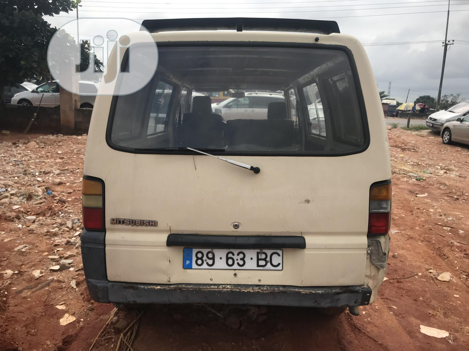 Super Clean Mitsubishi L300 1995 White For Sale   Buses & Microbuses for sale in Benin City, Edo State, Nigeria